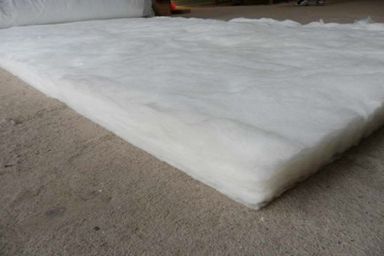 White formaldehyde-free glass wool blanket